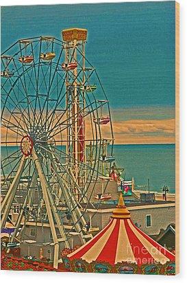 Ocean City Castaway Cove Ferris Wheel Wood Print