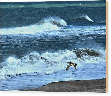 Ocean During A Storm Wood Print by Sandi OReilly