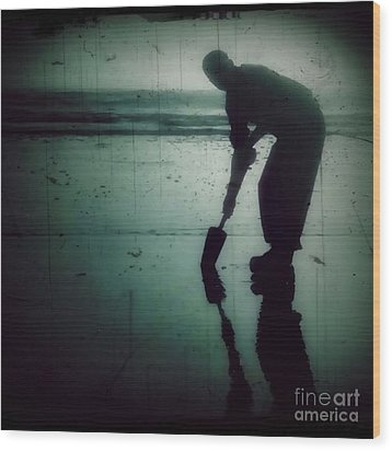 Ocean Shores Clam Dig Wood Print by Patricia Strand
