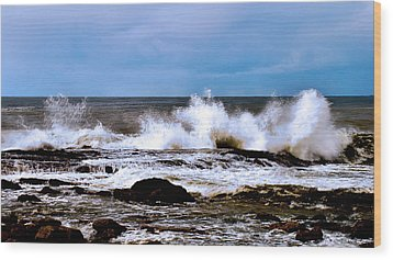 Wood Print featuring the photograph Ocean Spray 2 by Joseph Hollingsworth