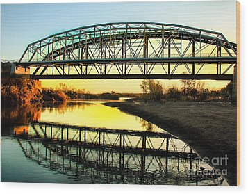 Ocean-to- Ocean Bridge Wood Print by Robert Bales