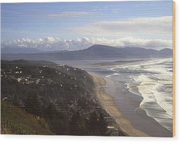 Oceanside Oregon Wood Print by Keith Gondron