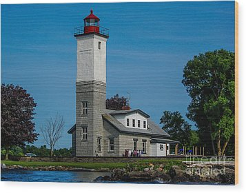 Ogdensburg Light House Wood Print