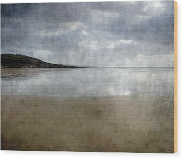Ogmore Beach Wood Print by Kevin Round