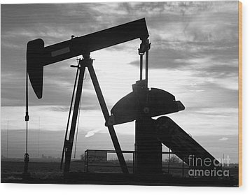 Oil Well Pump Jack Black And White Wood Print by James BO  Insogna