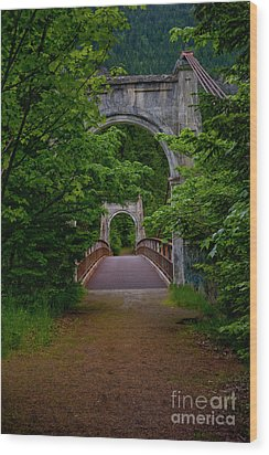 Old Alexandra Bridge Wood Print