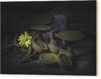 Old And Rusted Still Life Wood Print
