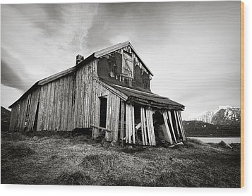 Old Barn Wood Print by Dave Bowman