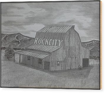 Old Barn II Wood Print