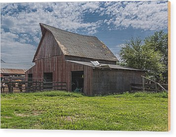Wood Print featuring the photograph Old Barn by Jay Stockhaus