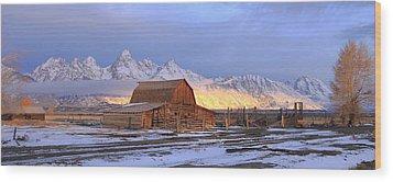 Old Barn On Mormon Row Wood Print