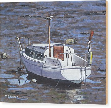 Old Boat On River Mudflats 1 Wood Print by Martin Davey