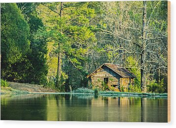 Old Cabin By The Pond Wood Print