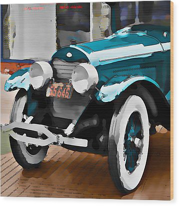 Old Car Wood Print by Robert Smith