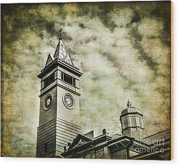 Old Clock Tower Wood Print by Perry Webster
