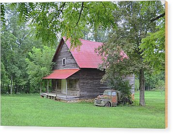 Old Country Cabin Wood Print by Bob Jackson