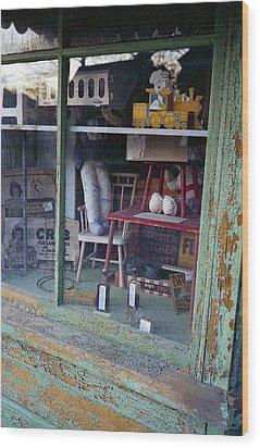 Old Country Store Display In Virginia Wood Print by Thomas D McManus