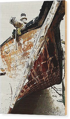 The Old Dhow Wood Print by Peter Waters
