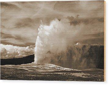 Old Faithful In Yellowstone Wood Print