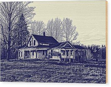 Old Farm House Wood Print by Jim Lepard