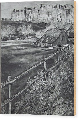 Old Farm House Wood Print by Laneea Tolley