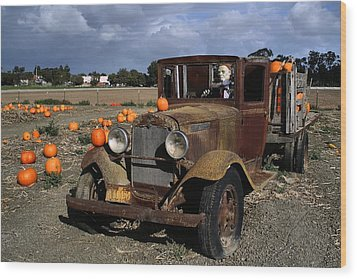 Wood Print featuring the photograph Old Farm Truck by Michael Gordon