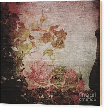 Old Fashion Rose Wood Print