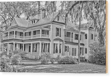 Old Florida Mansion Wood Print by Cliff C Morris Jr