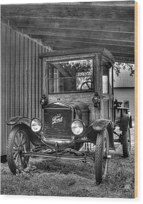 Wood Print featuring the photograph Old Ford by Dawn Currie