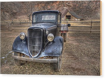 Old Ford Flatbed Wood Print by Wendell Thompson