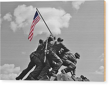 Old Glory At Iwo Jima Wood Print