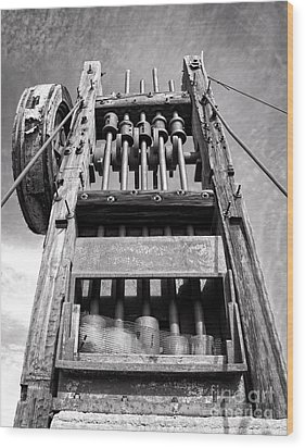 Old Gold Mine Technology In Black And White Wood Print by Lee Craig