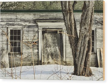Old House By The Road Wood Print by Susan Capuano
