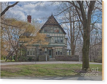 Old House On Haverford Campus Wood Print by Kay Pickens