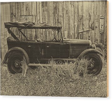 Old Jalopy Behind The Barn Wood Print by Thomas Woolworth
