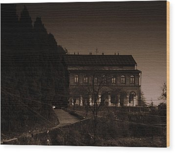 Old Mansion Wood Print by Salman Ravish