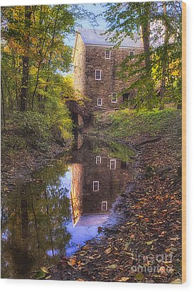 Old Mill Reflected In A Creek Wood Print by George Oze
