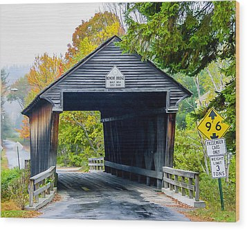 Old New Hampshire Bridge Wood Print