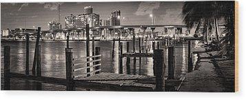 Old Pier Wood Print