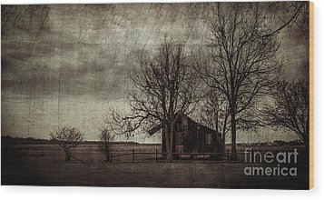 Old Plantation Wood Print by Perry Webster
