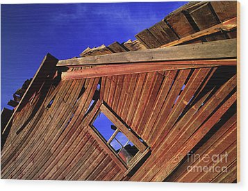 Old Red Barn Wood Print by Bob Christopher