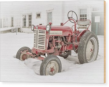 Old Red Tractor In The Snow Wood Print by Edward Fielding
