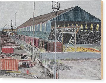 Old Resting Train And Schnitzer Steel Building Wood Print by Asha Carolyn Young