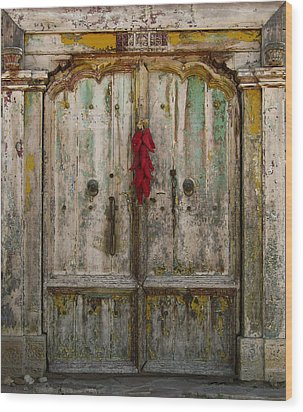 Old Ristra Door Wood Print by Kurt Van Wagner