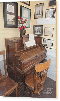 Old Sacramento California Schoolhouse Piano 5d25783 Wood Print by Wingsdomain Art and Photography