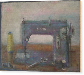 Old Sewing Machine Wood Print by Paez  Antonio