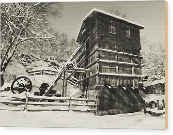 Old Snow Covered Quarry Mill Wood Print by George Oze