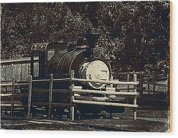 Old Steam Locomotive  Wood Print by Maria Angelica Maira