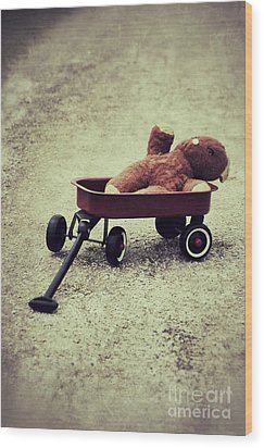 Old Teddy Bear In Red Wagon Wood Print
