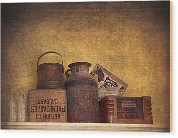 Old Things I Wood Print by Maria Angelica Maira